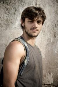 Jonatas (Felipe Simas)