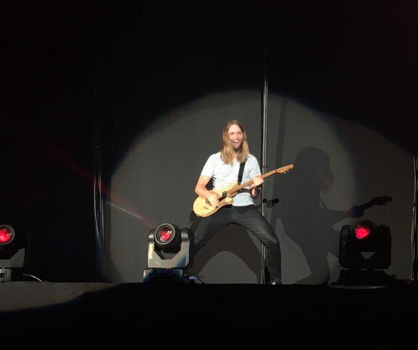 James Valentine, em performance em São Paulo, 17 de Março 2016